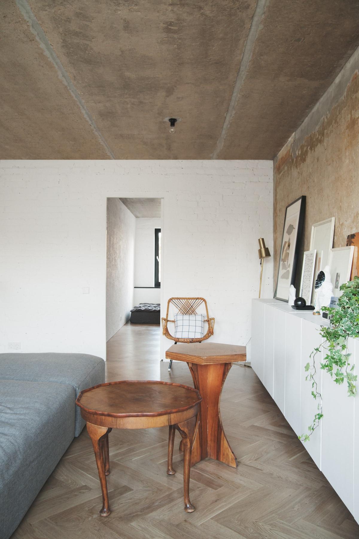 Concrete Ceiling Apartment Leibal
