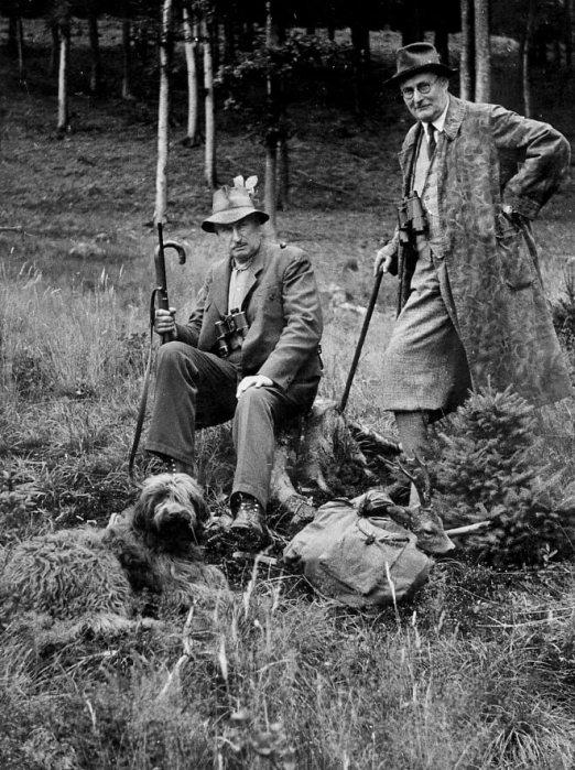 Leitz at a roe deer hunt in 1936
