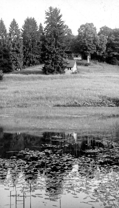 The hunting lodge and the pond in summer (the 1930s)