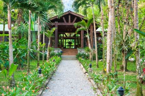 bar-lodge-entrance-1025x683