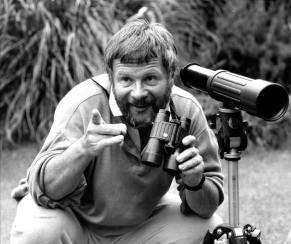 Blog-Bill-Oddie-my-first-Leica-Leitz-the-telescope-is-an-optylyth-Leica-didnt-make-one-then-they-do-now-1025x862