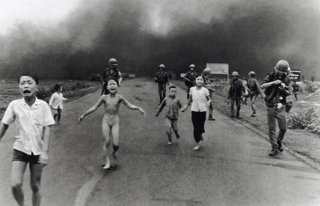 Nick Ut-Children Fleeing an Aerican Napalm Strike-1972