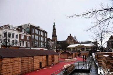 1 Opbouw kerstmarkt (9)
