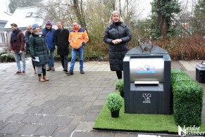 gras naast containers (13)