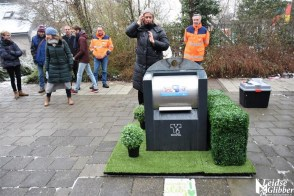 gras naast containers (12)