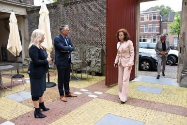 Lakenhal bezoek minister Ingrid van Engelshoven(6)