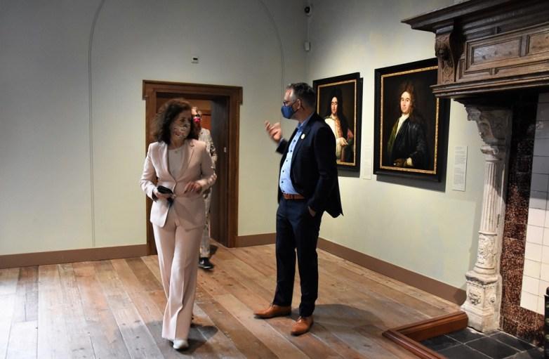 Lakenhal bezoek minister Ingrid van Engelshoven(66)