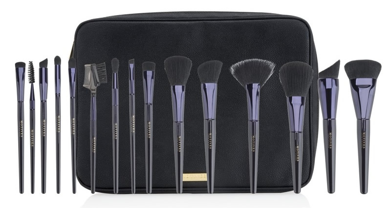 Enter to Win a 15 Piece Pro Makeup Brush Kit!
