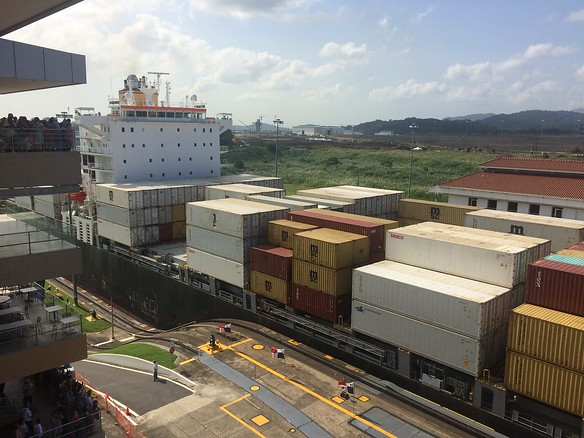 Barefoot Panama City and Canal TourMiraflores Locks
