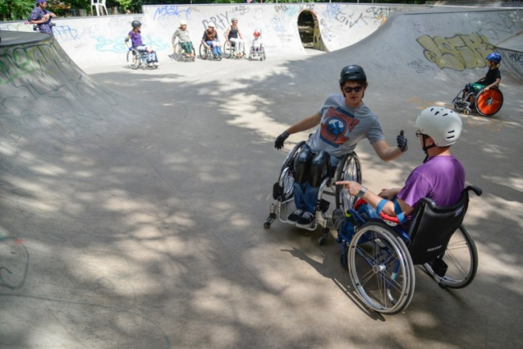 Wheelchair-skating-workship-with-David-Lebuser-Conne-Island-Photo-by-Stefan-Hopf-3.jpg?fit=750%2C500&ssl=1
