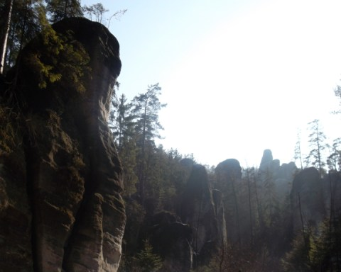 When I lived in Wrocław, I went on a day trip with friends that included the Adršpach-Teplice Rocks. They cover 17 square kilometers in the Czech Republic, close to the Polish border. By car, it's less than 2 hours from Wrocław, 2.5 hours from Prague, and 4.5 hours from Leipzig. It was a splendidly sunny day, which helped imprint the experience in my memory. The weather made the unusual, fantastic shapes of the sandstone rocks perfectly crisp. https://leipglo.com