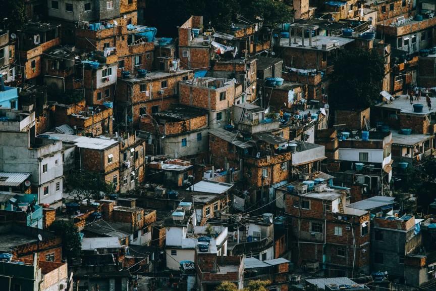 Kay-Fochtmann-Brasilien-Rocinha-Rio-de-Janeiro-Favela-Travel-photography-01.jpg?fit=864%2C576