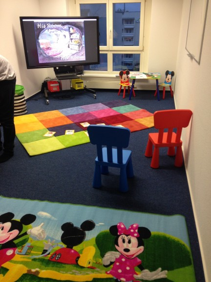 The room at inlingua Sprachschule is decorated Disney style. (Photo: Ana Ribeiro)