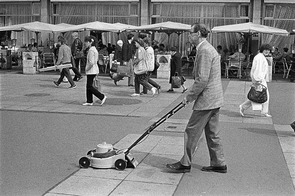 Photo by Mahmoud Dabdoub, Leipzig in the GDR, 1986