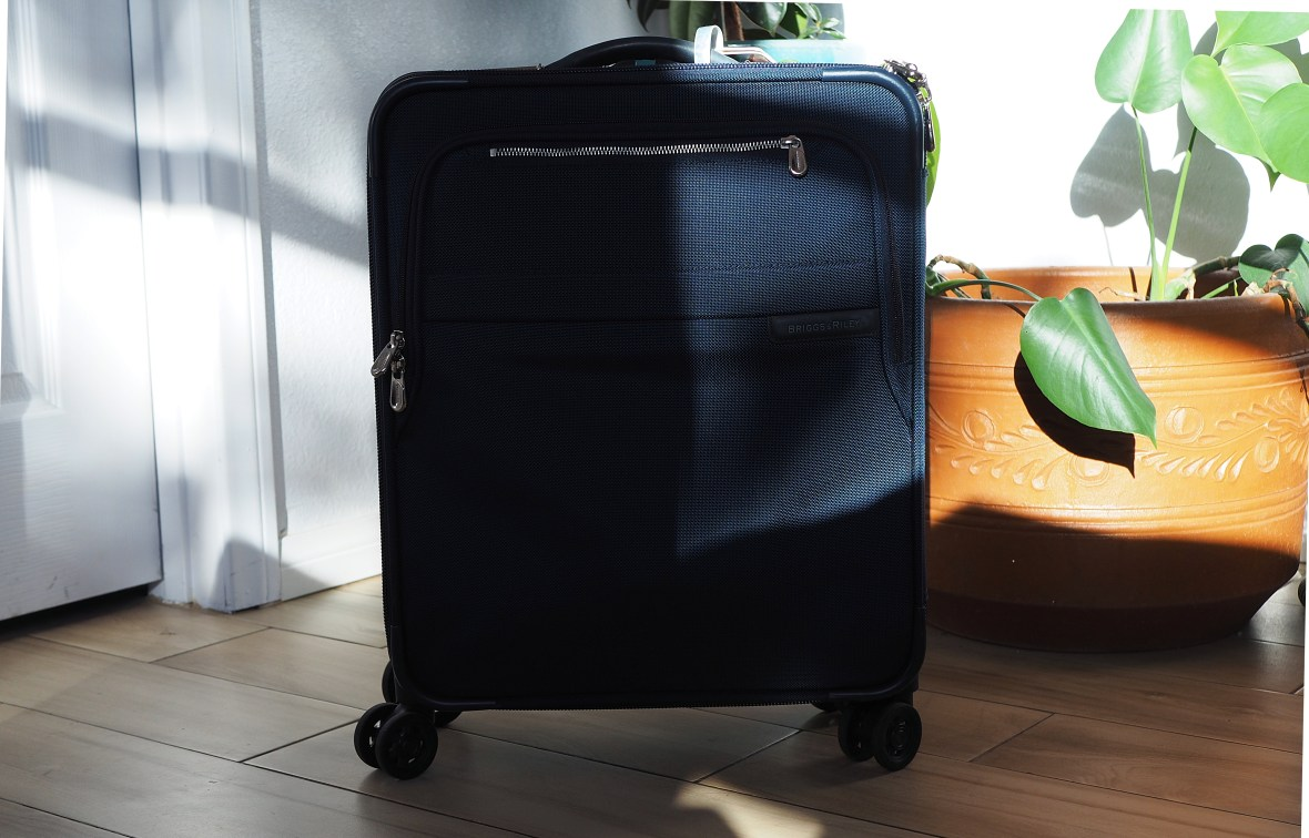 Leisure Fan Club - A Simple Guide to Carry-On Packing