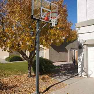 Leisure Installs Basketball goal