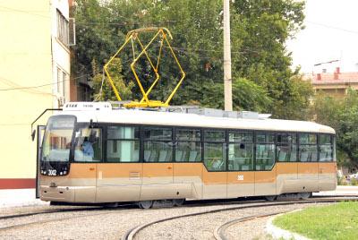 Tramway de tachkent - A la veille du 20e anniversaire de l'indépendance de l'Ouzbékistan, de nouveaux trams modernes ont été mis en exploitation dans la capitale du pays.