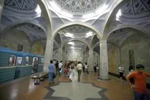 Station de métro de Tachkent http://www.vazyvite.com/html/Ouzbekistan/ouzbekistan_preparation.htm