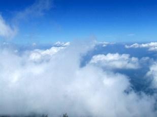Waouh, les nuages de près ! Il commence à faire sérieusement froid.