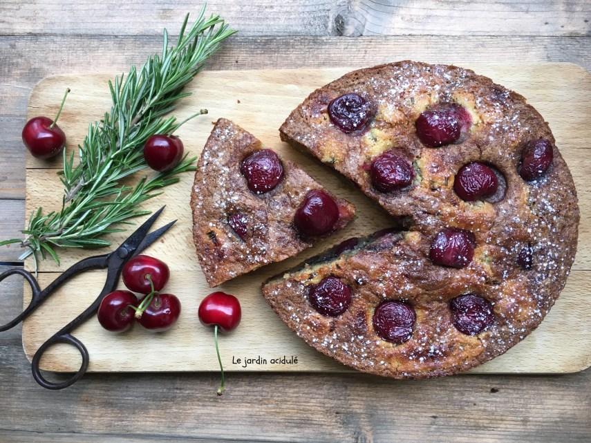 Gâteau huile d'olive cerises romarain 9