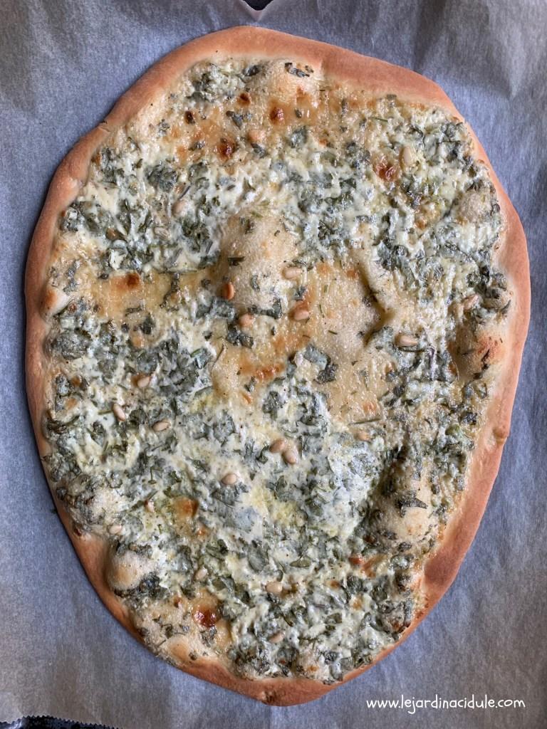 pizza bianca à la burrata