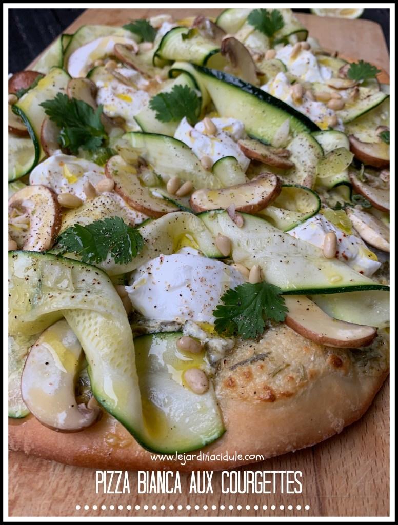 Pizza bianca aux courgettes