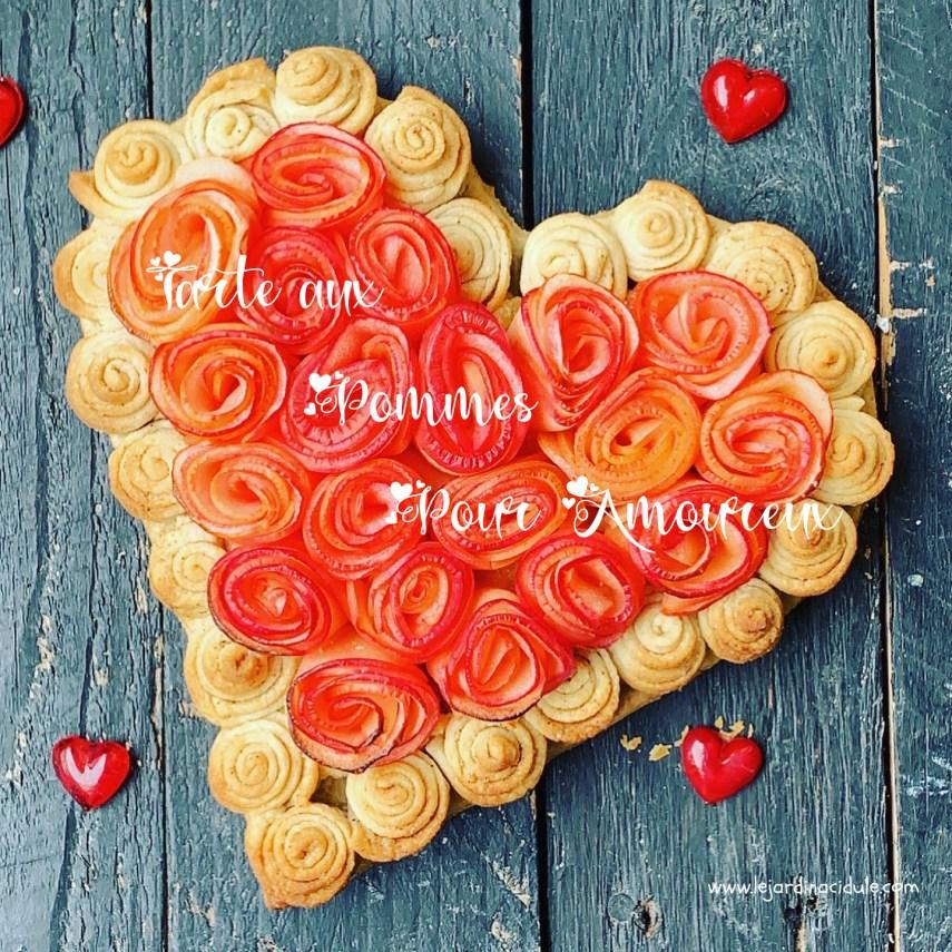 Tarte aux pommes en forme de coeur et de roses