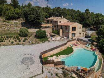 le jas de Belley studio 2 personnes appartement 4 personnes belle vue d'hauteur avec piscine sécurisée à montfort 04600 alpes de haute Provence 04