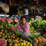 Dans un marché à EAC, au Kenya