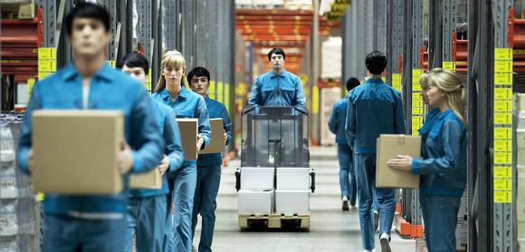 À l'usine, au bureau, tous remplacés par des robots?