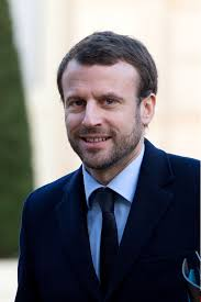 macron_barbe_jupiter_statue_portrait-officiel_president_le-maire_hermes