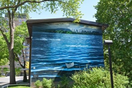 «Au fil de l'eau»   Artiste : Phillip Adams   Année: 2013   Plus d'infos: http://ville.montreal.qc.ca/portal/page?_pageid=5798,42657625&_dad=portal&_schema=PORTAL&id=21600