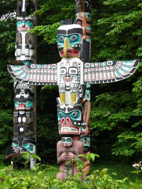 canada totems
