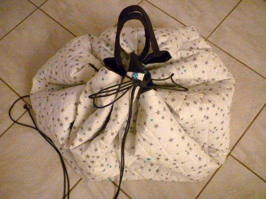 tapis replié en balluchon