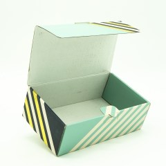 Thick corrugated paper in a mailer box style