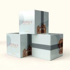 white Kraft base shipping boxes with classic middle closure and full colour print
