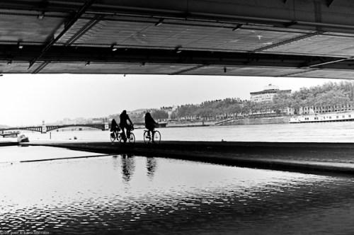 les cyclistes-NB-4052