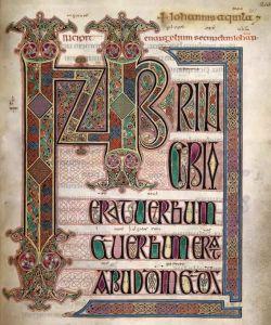 Page tirée du livre de Kells. En regardant très attentivement, on peut lire : In principio erat verbum (au commencement était le Verbe).
