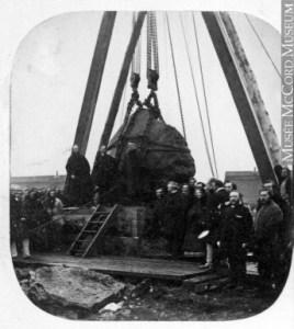 Pose de la pierre du monument marquant les tombes des immigrants, pont Victoria, 1859