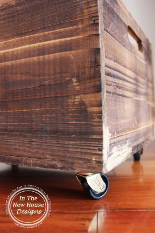 Rustic-Pet-Toy-Box-with-casters-683x1024