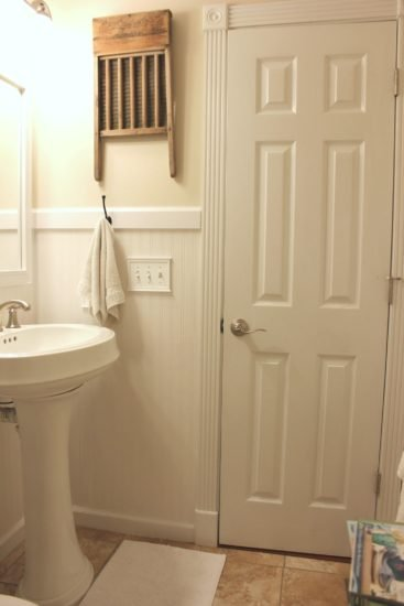 Tiny Bathroom With Farmhouse Style