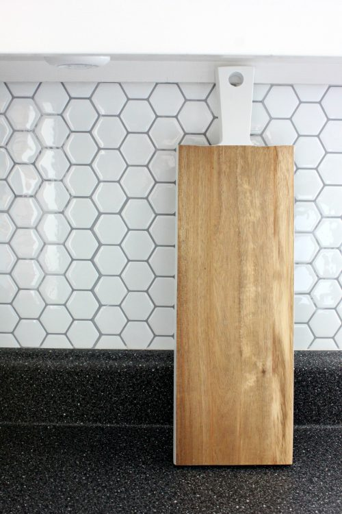 peel and stick hexagon honeycomb tile in kitchen