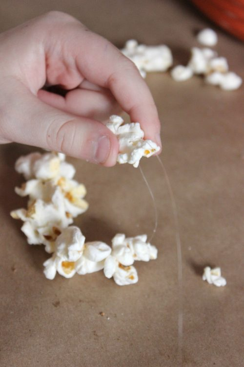 easy diy popcorn garland