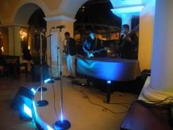 Piano y música en vivo
