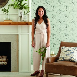 ME1517 York Wallcoverings Joanna Gaines Magnolia Home 2 Wildflower Wallpaper Room Setting