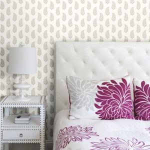 SP1420 York Wallcovering Small Prints Boteh Paisley Wallpaper Grey Room Setting