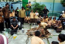 Kegiatan Pengelolaan Sampah menjadi Pupuk Kompos dan Bokasi