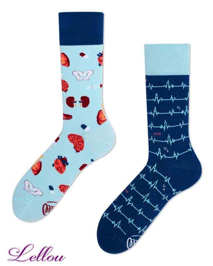 Chaussettes dépareillées Docteur amusantes et drôles. La vie est trop courte pour des chaussettes ennuyeuses! Production Europe