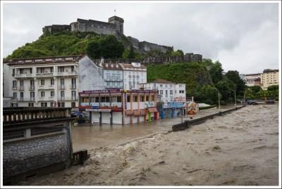Le quai St Jean sous les eaux.