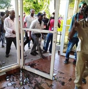 Haïti-Crise : Les Sénateurs de l'opposition ont encore une fois trivialisé le Parlement 1
